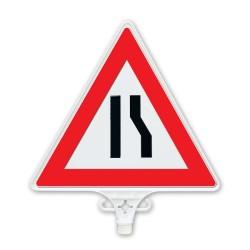 ÜSTÜN A.Ş. - Sağdan Daralan Yol Uyarı Levhası Tek Yön Tr2802